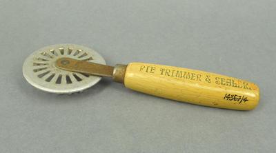 Pie Trimmer