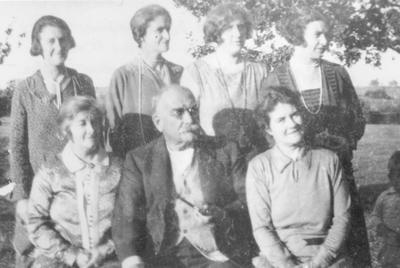 George Midford Aubin Ahier and Daughters
