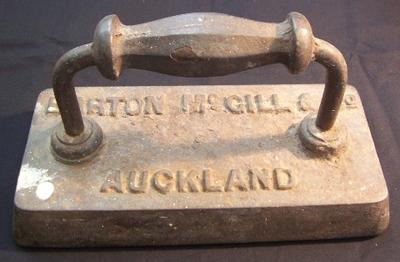 Billard table iron