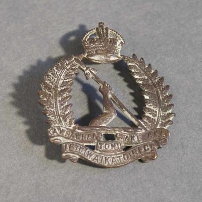 16th Waikato Regiment badge