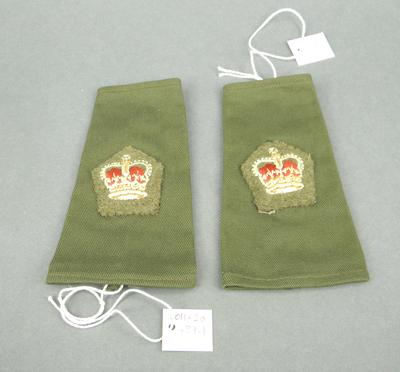 Pair of epaulets - Major