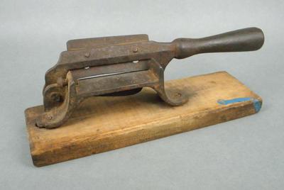 Tobacco cutter