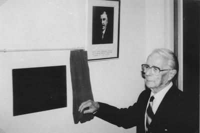 Unveiling J.G.Gifford Plaque