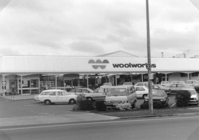 Woolworths Shopping Centre