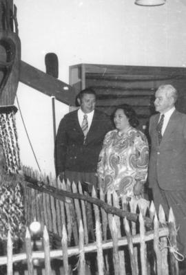 Te Arikinui Dame Te Atairangikaahu, her husband Whatumoana and Mayor Ned Freeman